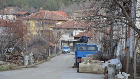 От началото на годината до края на април новите постоянни или настоящи жители на община Кресна са над 620.