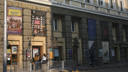 Български студенти от НАТФИЗ ще участват в няколко фестивала до края на лятото и през есента