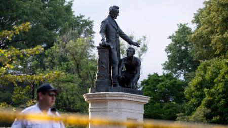 Паметник на президента Ейбрахам Линкълн във Вашингтон