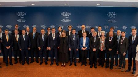 """Бойко Борисов и останалите участници в лидерската среща """"Стратегически диалог за Западните Балкани"""" в  Женева."""