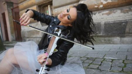 Таня Тингарова (Tanya Strings)