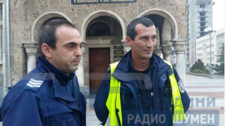 Нападнатите полицаи