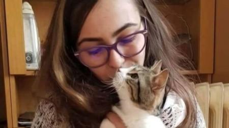 Пламена Димитрова живее в Стара Загора, но за добрините ѝ към животните знаят в цялата страна