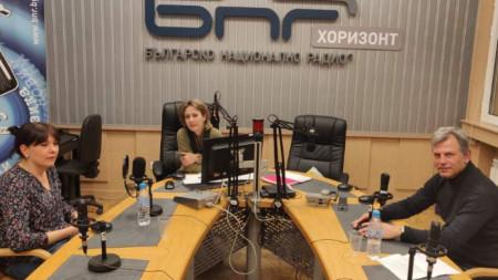 Анелия Симеонова, водещата Мая Данчева и Иван Стайков