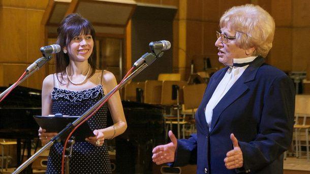 Водещата Росица Кавалджиева и редакторката Красимира Йорданова