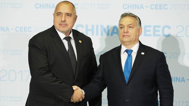 Бойко Борисов и Виктор Орбан на една от срещите им. Двамата премиери разговаряха днес по телефона.