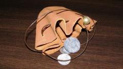 Кесия за монети по средновековен модел, съвременна изработка