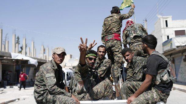 Кюрдски бойци, воюващи с