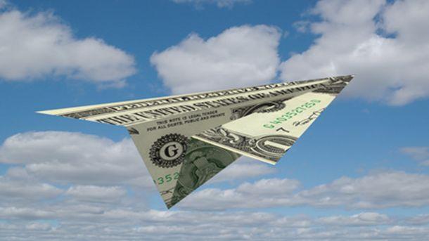 Доларът поскъпва след сигнали от Фед за възможно повишение на американската лихва през март