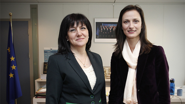 Tsveta Karayancheva (L) and Mariya Gabriel