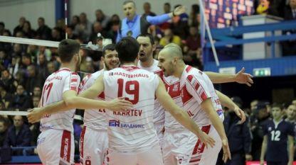 Волейболистите на Нефтохимик спечелиха в Пазарджик