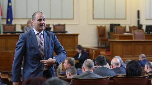 Предложението за отстраняване на депутата от БСП Валери Жаблянов от