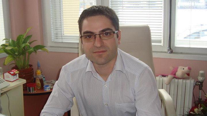 Д-р Емил Мушанов, общопрактикуващ лекар и асистент в Медицинския университет на Софийския университет Св. Климент Охридски