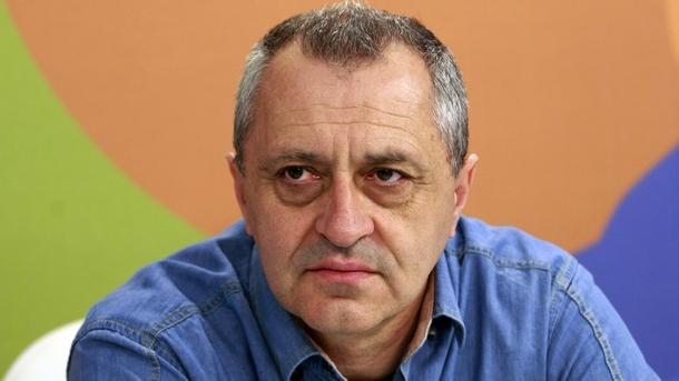 Проф. Валери Стефанов
