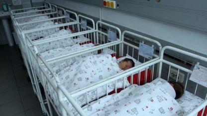 Зачестяват случаите на изгаряния при малки бебета заради включени в креватчетата им сешоари с приспивен ефект