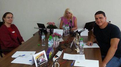 Кметът на Оряхово – Росен Добрев, уредникът на Историческия музей Деница Петрова - в импровизираното студио в администрацията на крайдунавския град с водещата Анелия Торошанова