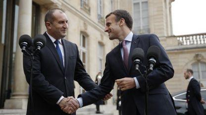 Rumen Radev (L) and Emmanuel Macron