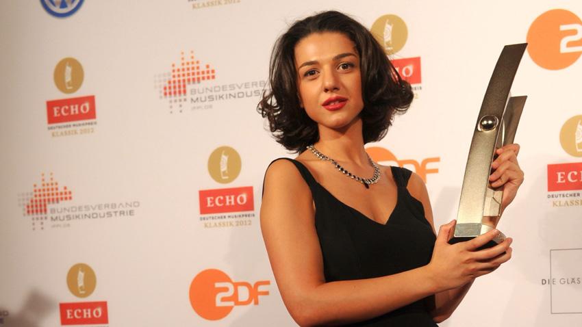 Хатия Бунятишвили