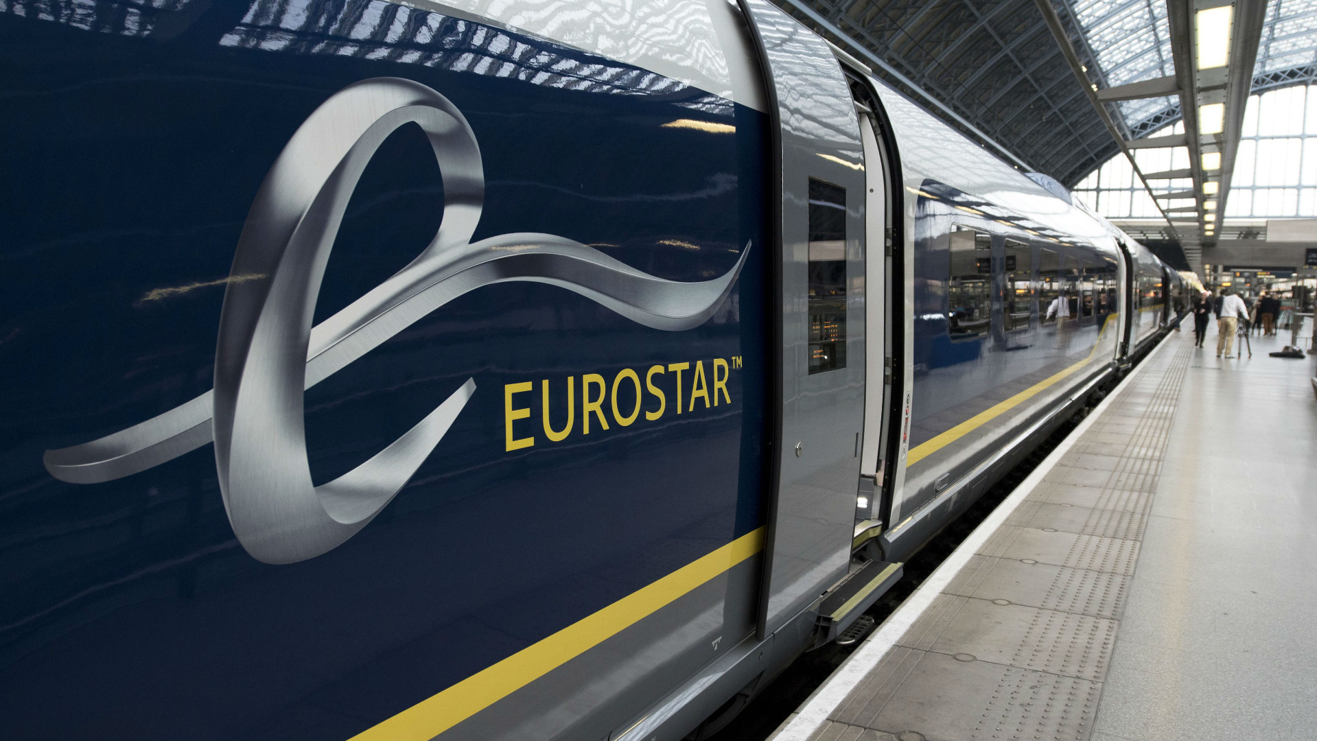 Персоналът, обслужващ влаковете Евростар на лондонската гара