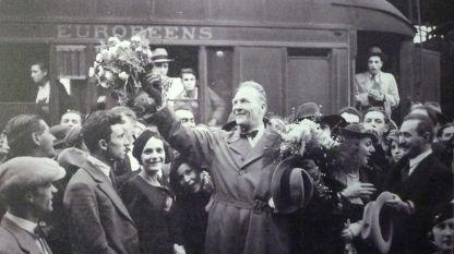 Дочек Фјодора Шаљапина на железничкој станици у Софији, 1934. г.