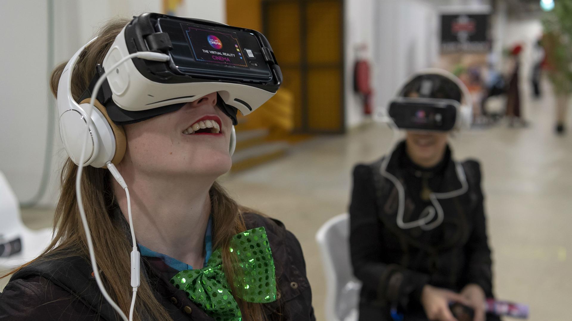 Някои вече крачат с усмивка към виртуалната реалност