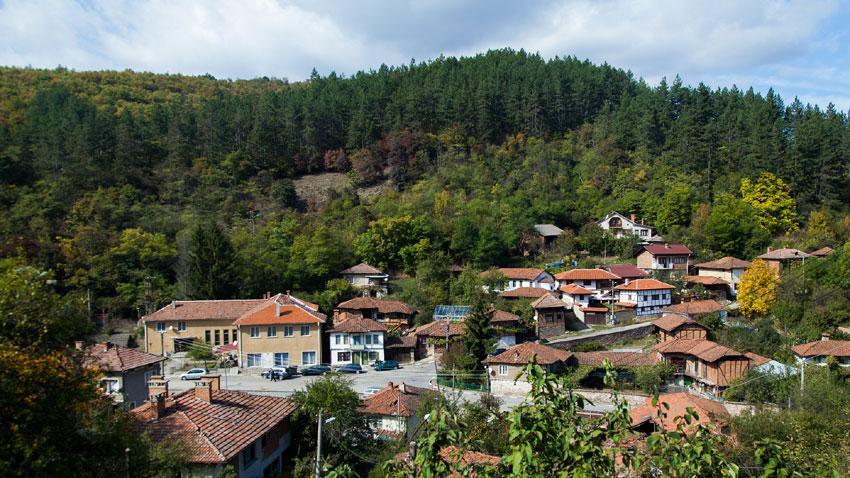 Поглед към село Каменица, Софийско.