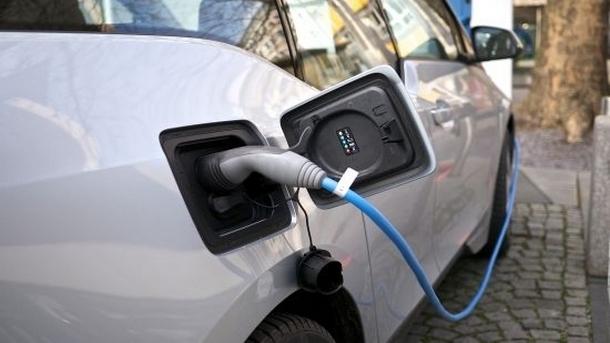 Търсене на електромобили напоследък изпреварва инфраструктурата за тези возила - констатират специалистите