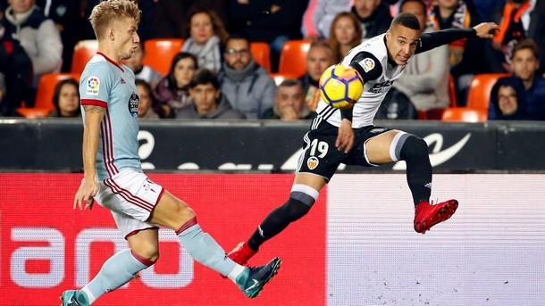 Валенсия спечели ценен успех с 2:1 при домакинството си срещу