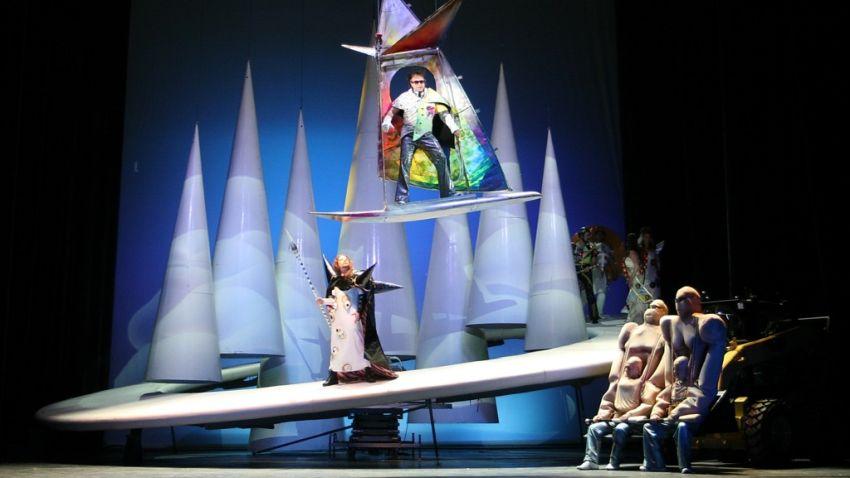 Сцена от спектакъла