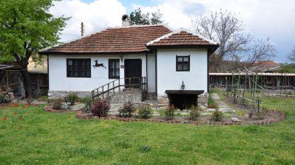 Къща за гости в село Кладоруб