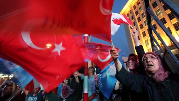 8 партии ще участват на парламентарните избори в Турция. Днес