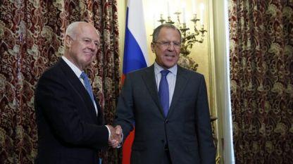 Стефан де Мистура и Сергей Лавров са основни фигури в преговорите за уреждане на конфликта в Сирия