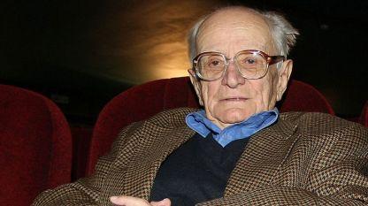 Валери Петров – поет, сценарист, драматург и преводач, почина през 2014 г.