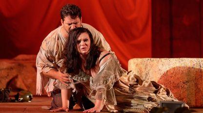 Радостина Николаева в ролята на Манон Леско от едноименна опера на Джакомо Пучини