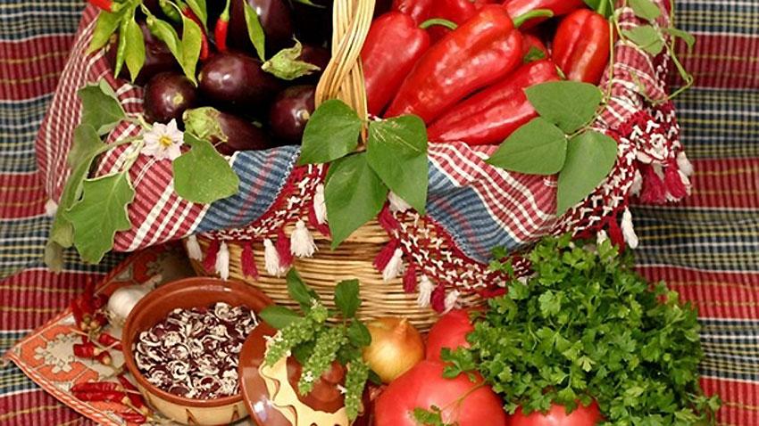 Фестивалът на чушката, домата, традиционните храни и занаяти в Куртово Конаре привлича посетители от страната и чужбина