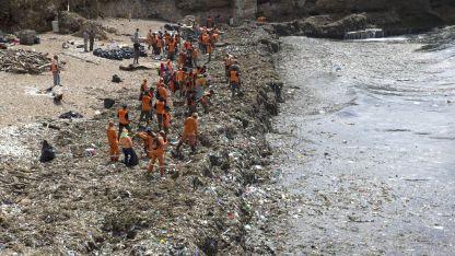 До момента са изчистени 60 тона боклуци