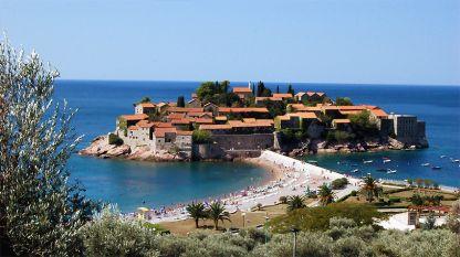 Остров Свети Стефан край Будва – Черна гора.