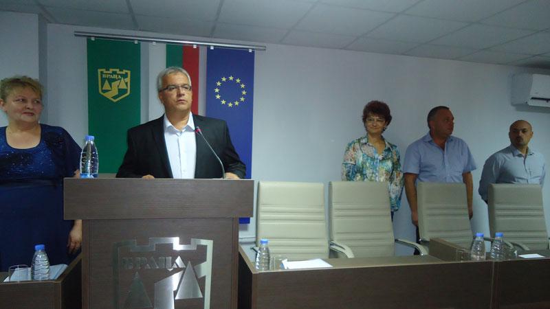 Заседанието на Общинския съвет се проведе в новата зала в сградата на местната управа във Враца