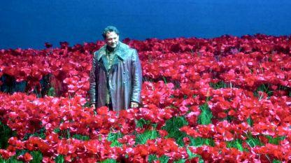 Илдар Абдразаков в ролята на княз Игор от едноименната опира на Александър Бородин на сцената на Метрополитън Опера