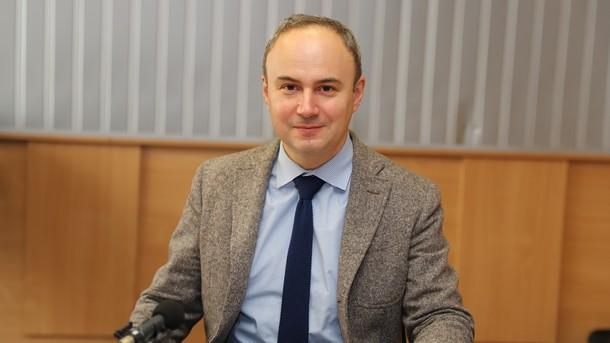 Посланикът на Румъния у нас Йон Гъля в студиото на Радио София