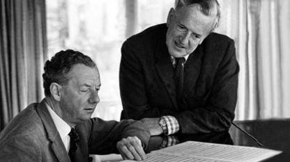 Бенджамин Бритън (вдясно) и Питър Пиърс