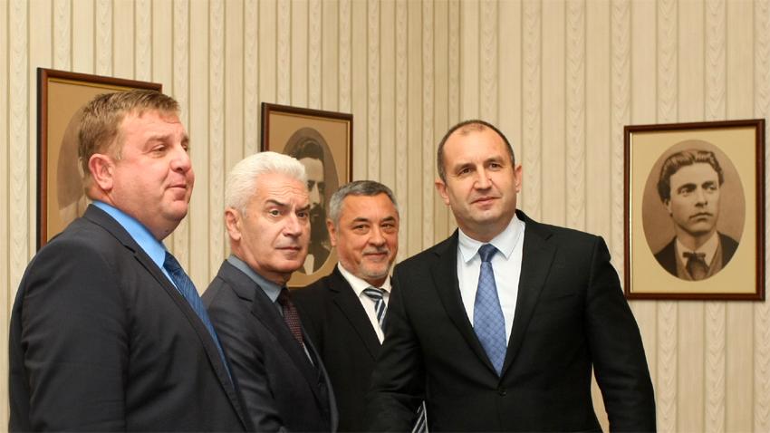 Ο ρούμεν Ράντεβ με τους αρχηγούς των