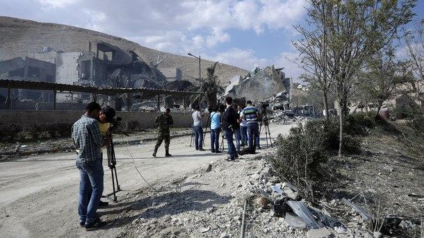 Официалната сирийска информационна агенция САНА съобщи за най-малко трима пострадали