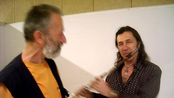Виртуозът на флейтата Хорхе Пардо специално за слушателите на Радио София (вляво е водещият Людмил Фотев)