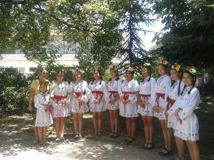 Детски танцов състав от с. Царацово, Пловдивско - участници във фестивала.