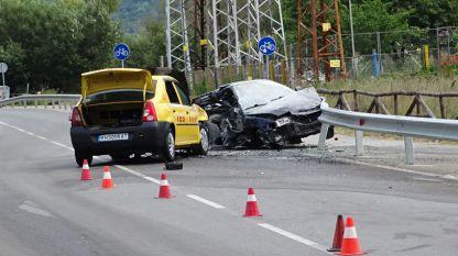 22-годишен младеж загина след като лек автомобил