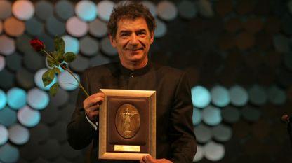 Мики Манойлович беше удостоен с Наградата на София за цялостен принос в световното киноизкуство през 2008 г.