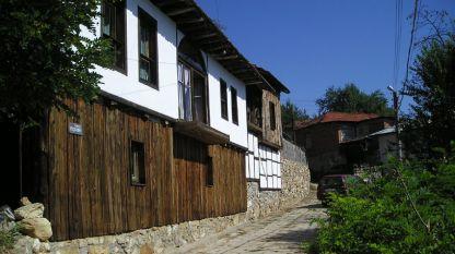 Село Мраченик