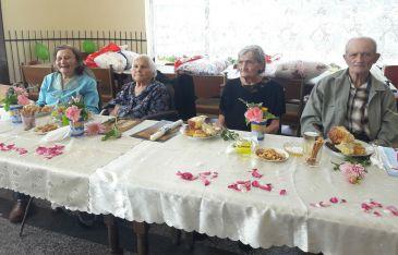 Иван Тодоров, Еленка Кънева, Димитричка Стоянова, Цена Гълъбова и Янка Стойкова