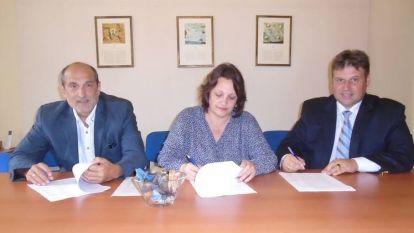 Радослав Кацаров, Валентина Василева и Стефан Иванов подписаха споразумението за новото дясно обединение